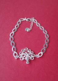 Bracelet with tree