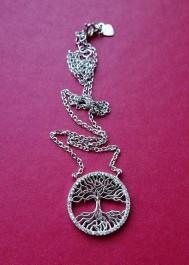 Silver necklece