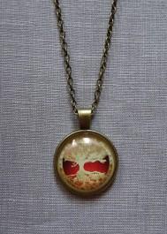 Tree pattern cabachon pendant necklace